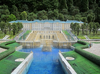 ピョートル噴水宮殿.JPG