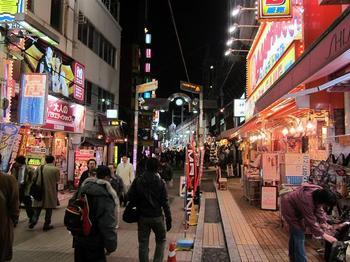 上野の街.JPG